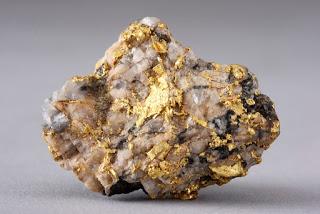 dia mundial do ouro, gold in quartz