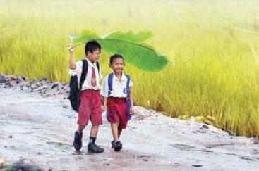 ما يقول الأطفال عند نزول المطر