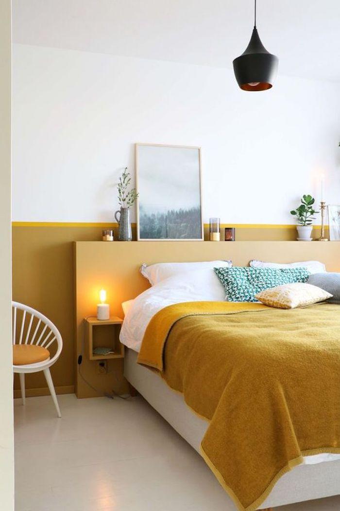 Dormitorio pared a media altura ocre