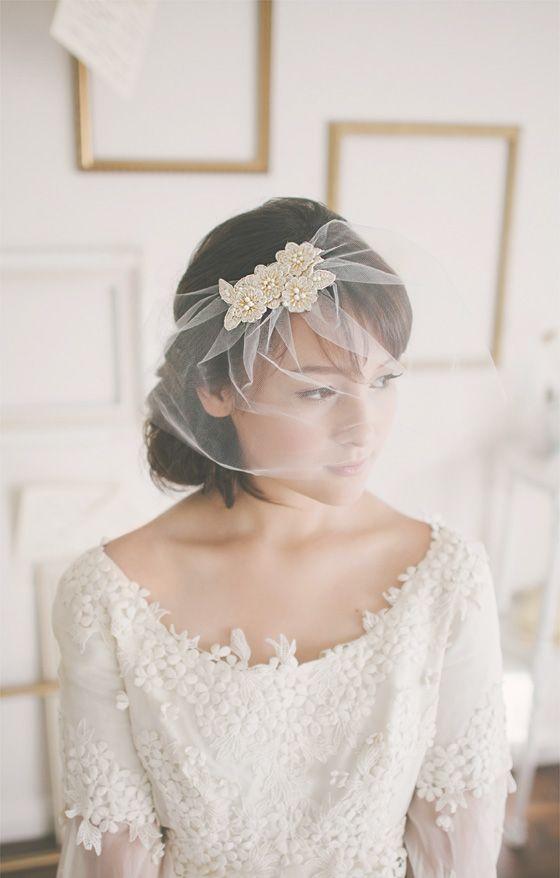Welon do ślubu, Panna młoda i welon,  trendy ślubne, Wianek z kwiatów zamiast welonu, Tiara lub diadem, Spinki i grzebienie na ślub, Opaski i kokardy na ślub, Woalki do ślubu, stylizacje ślubne,