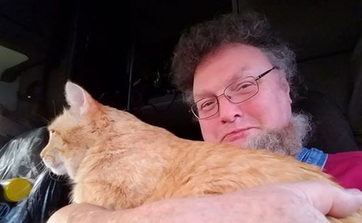 Heart-Warming Story Of A Lonely Truck Driver Who Adopted An Abandoned Cat