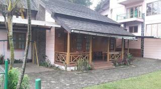 villa untuk rombongan di lembang yang ada kolam renangnya