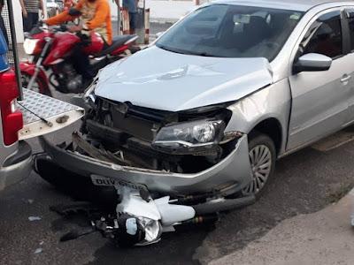 Dupla se envolve em acidente durante perseguição policial em Alagoinhas