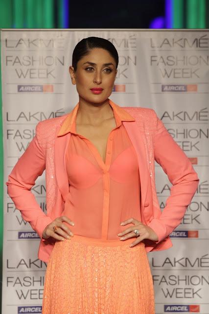 Kareena Kapoor hot in transparent shirt