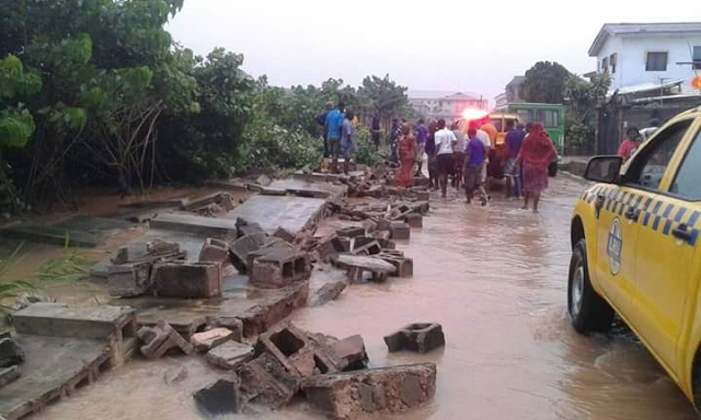 Flood-takeover-some-parts-in-Lagos-due-to-heavy-rainfall-on-Sunday-(Photos)