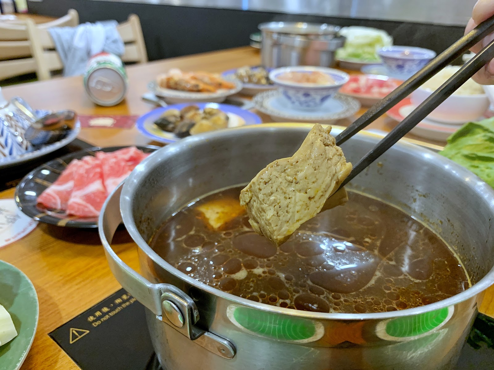 XM迴轉麻辣鍋必點豆腐