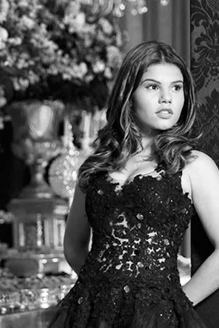 Laura Barreto, atriz vestido de debutante