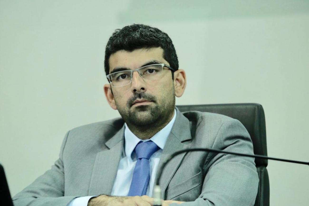 Alepa proíbe distribuição de sacolas plásticas no PA; projeto vai para sanção de Helder
