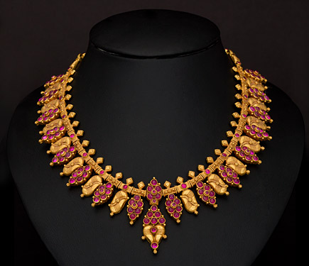 indian jewellery and clothing short length light weight