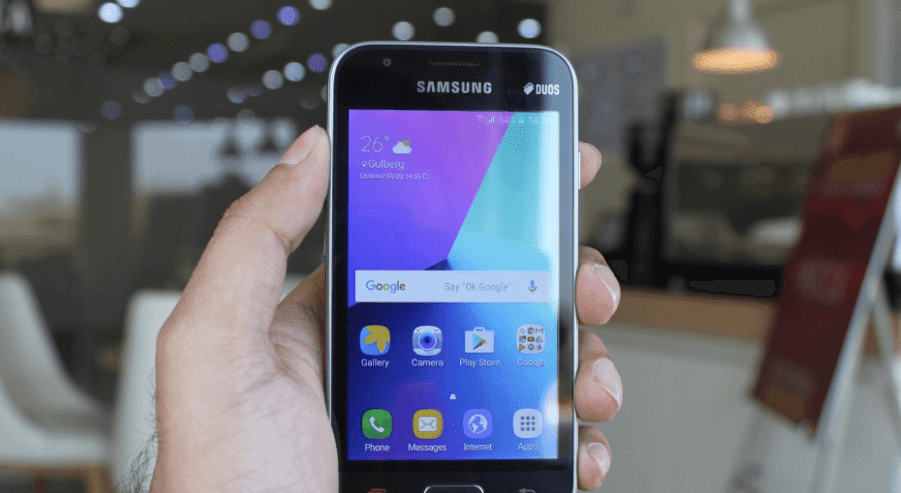 how to take a screenshot on samsung j1