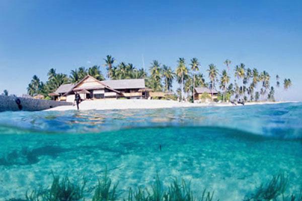 Wisata Danau Air Asin Napabale Sulawesi Tenggara