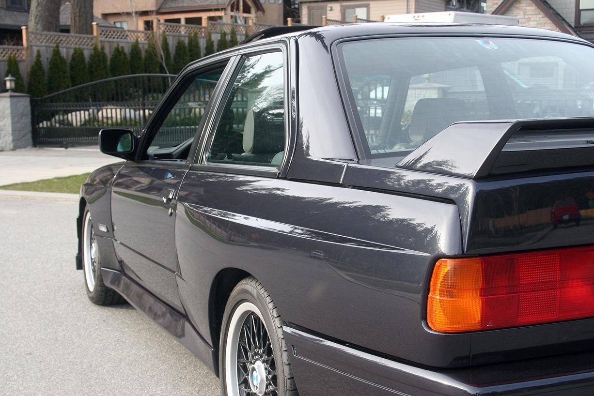lastcarnews super rare 1988 bmw m3 evo ii e30 for sale in canada. Black Bedroom Furniture Sets. Home Design Ideas