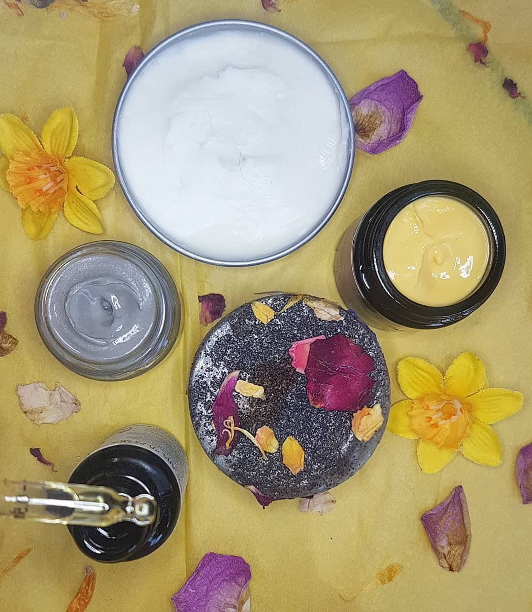 The Natural Beauty Box April 2019 Review - Skin-Tritious Plastic Free edit