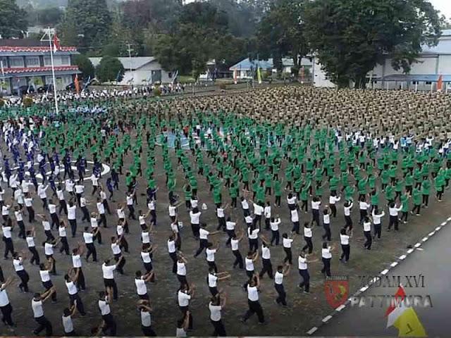 Siap Pecahkan Rekor Muri, TNI dan Masyarakat Latihan Tarian Maumere di Ambon