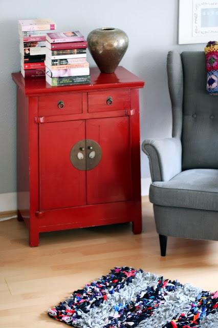 paecy i pato blog mein neuer bunter flickenteppich im wohnzimmer. Black Bedroom Furniture Sets. Home Design Ideas
