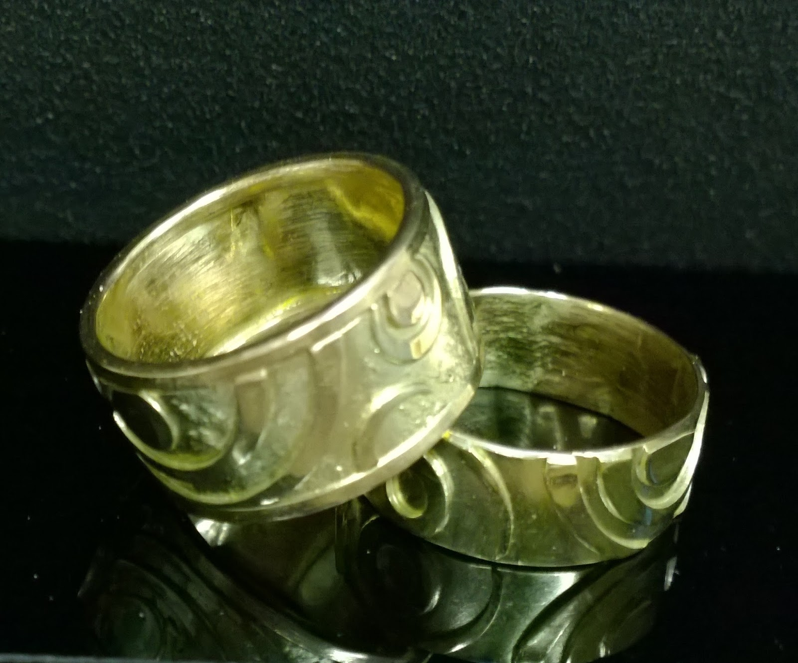 articles national from rings wales ring y iconographic museum maes saints groes