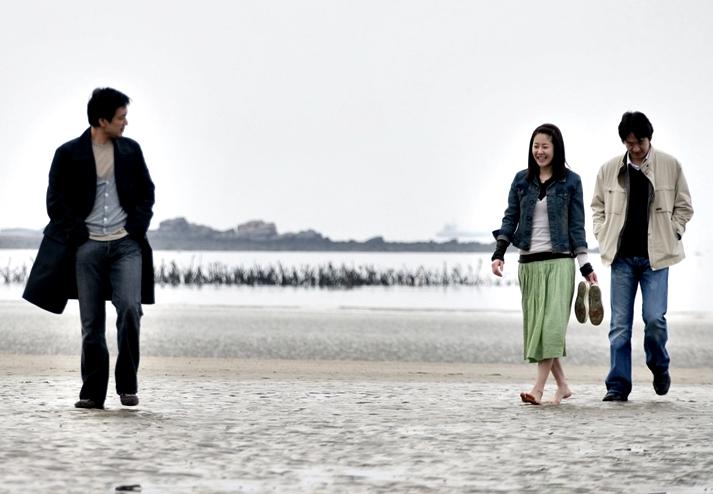 Mujer en la playa (2006)