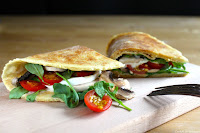 http://cookalifebymaevaen.blogspot.fr/2016/01/piadine-north-italian-sandwiches-arugula-mushrooms-buffalo-mozzarella-cherry-tomatoes.html