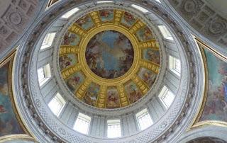 Cúpula de la Iglesia Saint Louis des Invalides o San Luis de los Inválidos.
