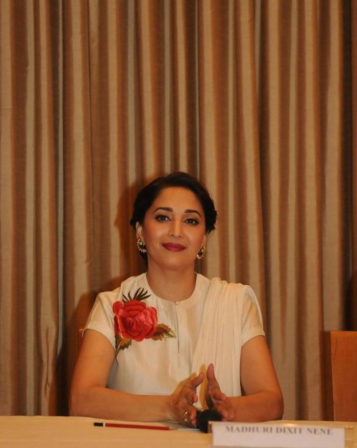 Madhuri Dixit, Hot Pics of Madhuri Dixit At  Launch OF Contemporary Dance Festival 'Jugnee'