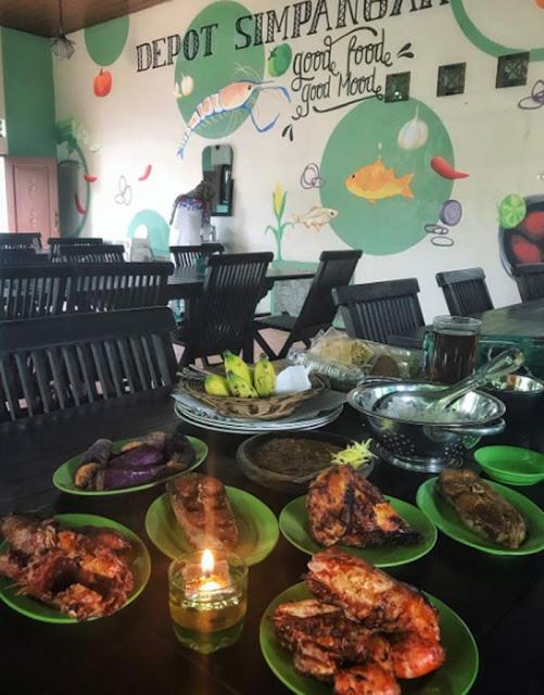 Kota Martapura Kabupaten Banjar, Kalsel tak hanya dikenal dengan penghasil berlian terbaik di dunia saja. Kota Serambi Mekkah ini juga dikenal memiliki kuliner dan tempat makan yang enak-enak.