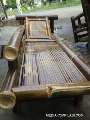 Meja Kursi Bambu
