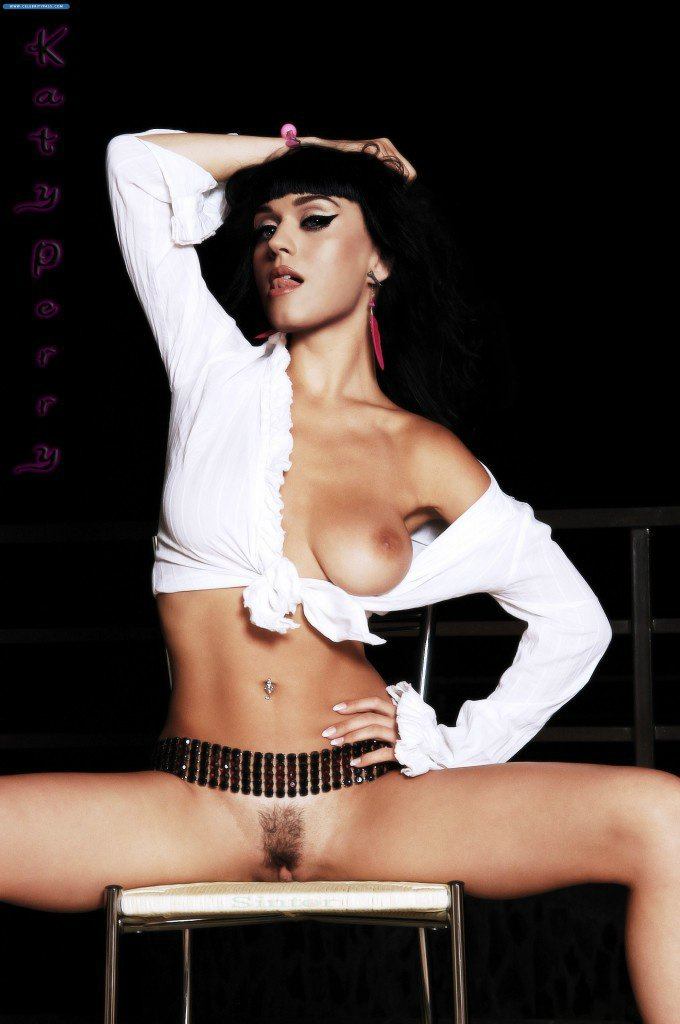 Katy Perry Exposing Boobs