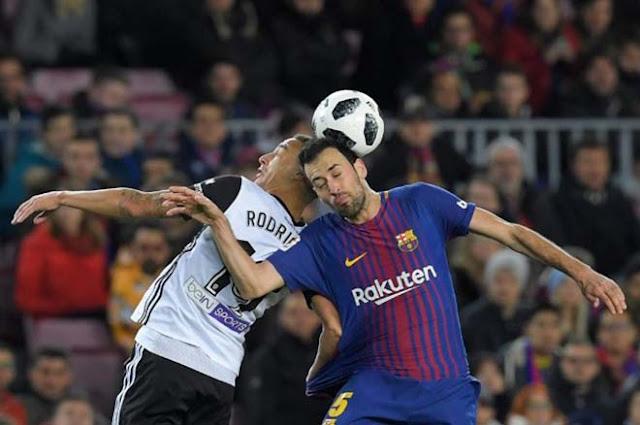 """Video Barcelona - Valencia: Siêu sao chói sáng, """"nhát kiếm"""" định đoạt"""