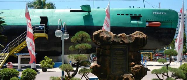 Monkasel, Monumen Kapal Selam Surabaya.