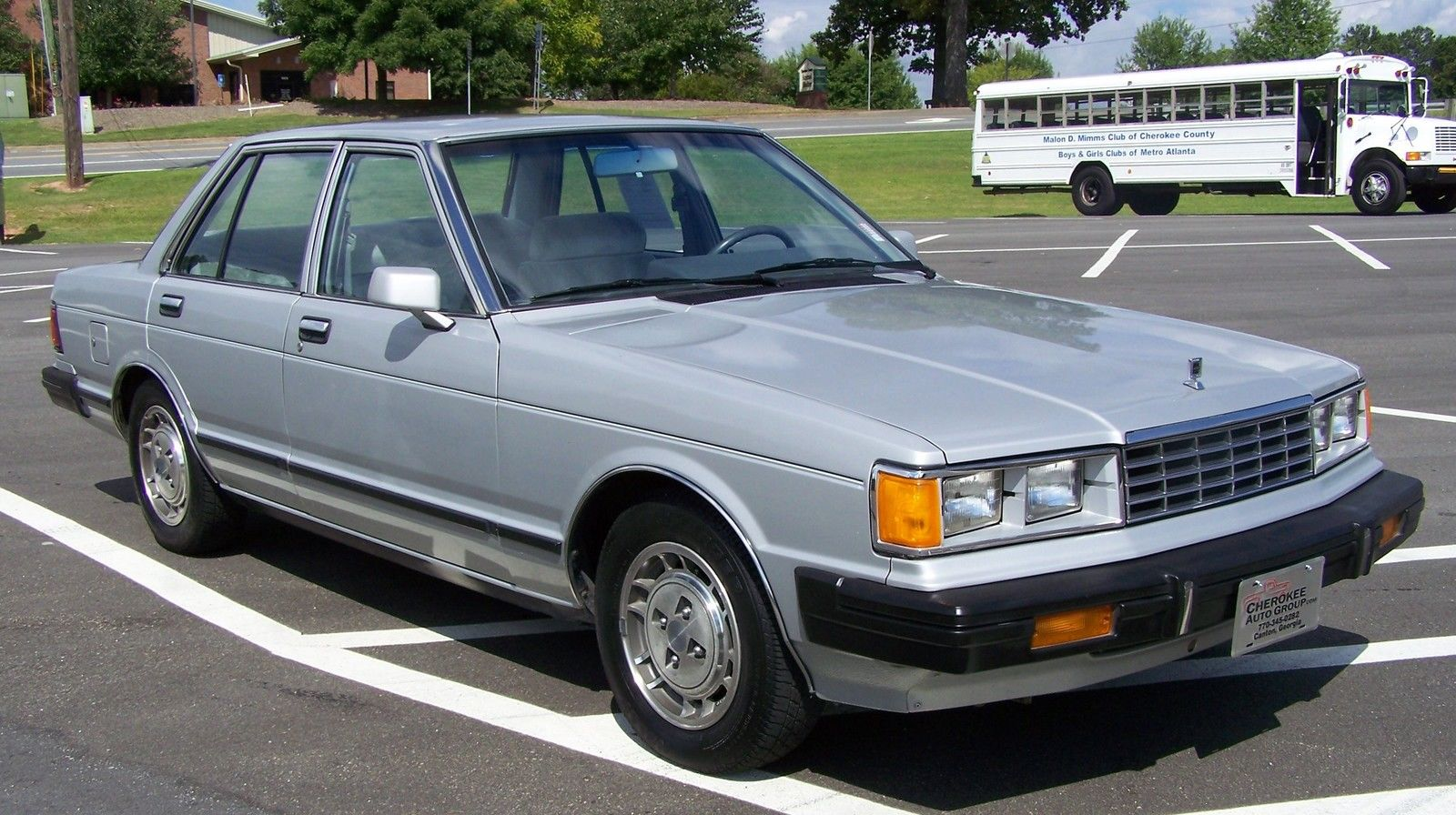 OLD PARKED CARS.: Woodgrain Wagon: 1983 Nissan Maxima Diesel. |Old Nissan Maxima