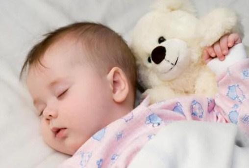 Tips Membuat Bayi Tidur dengan Nyenyak