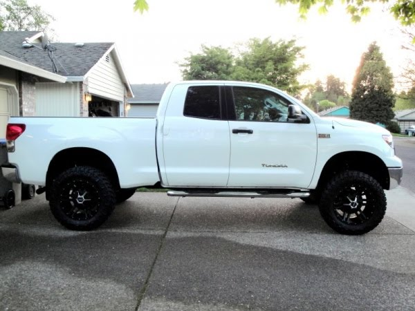 2007 Toyota Tundra Tailgate besides Toyota Ta a Pre Runner 4x4 Motoburg in addition 2013 Toyota Tundra White additionally Vinyl Decal Trd Offroad Wrap Kit For 2016 Toyota Ta a furthermore 239440 Anyone Else Bothered Sunlight Bouncing Off Hood Scoop. on 2008 toyota tundra trd decal