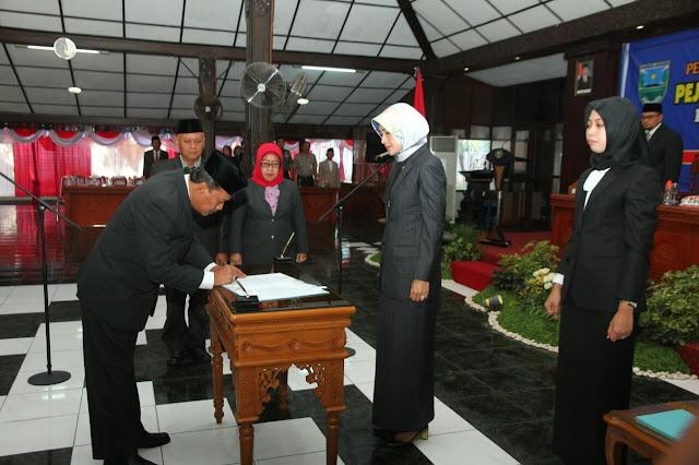 Soeparwiyono Dilantik Sebagai Sekda Kabupaten Probolinggo