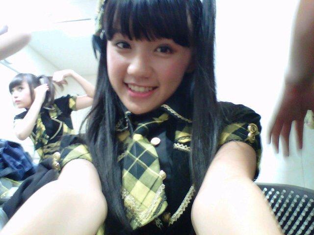 JKT48 Wallpapers: Rena nozawa , ayana shahab , dan fahira
