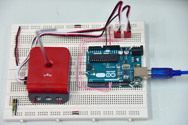 Cool emerald reading rotary encoder using microcontroller