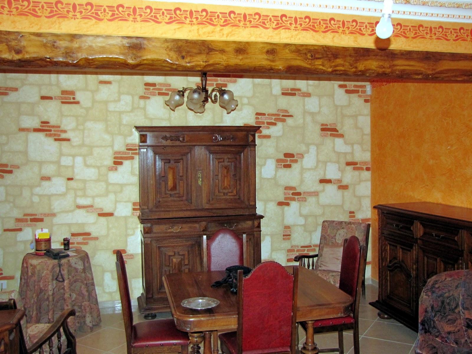 peinture d corative artisanale didier roussel imitation pierre a l 39 enduit et peinture acrylique. Black Bedroom Furniture Sets. Home Design Ideas