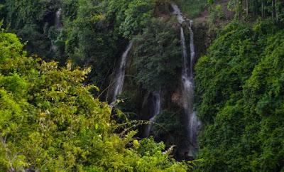 air terjun sri gethuk dari bukit tri panjung gunungkidul yogyakarta