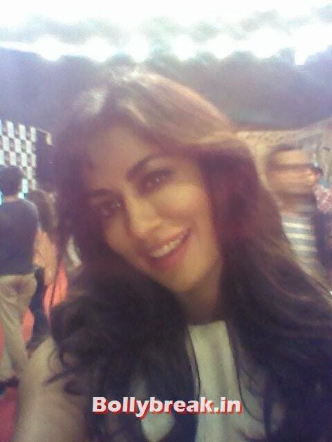 Chitrangada Singh, Bollywood Celebs Selfies from Star Screen Awards - Actresses & Actors