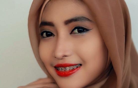 cara memakai makeup,cara ber make up sendiri,cara memakai make up bagi pemula,cara memakai make up untuk wajah bulat,