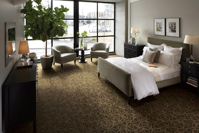 Overlapping circles create a gorgeous look in this bedroom carpet.