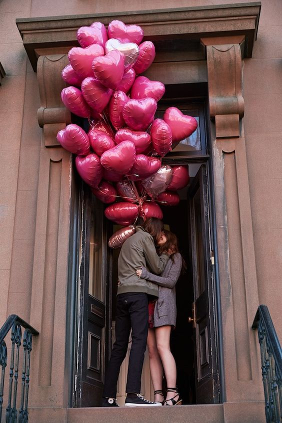 One of my Faves-10 Fun Balloon Ideas for Valentine's Day.