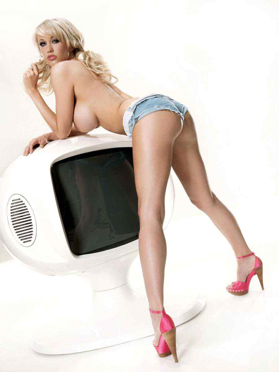 sophie reade nude