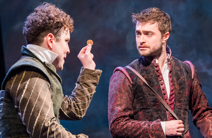 a comparison between william shakespeares hamlet and tom stoppards rosencrantz and guildenstern are