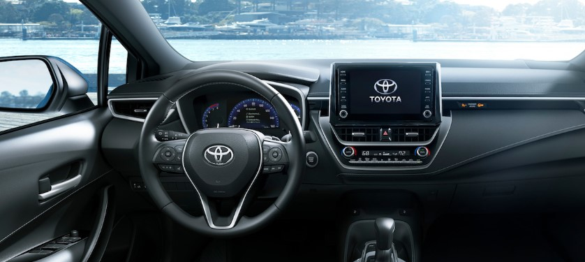 2020 Toyota Corolla XSE AT Specs and Features