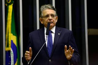 """Oposição espera começar votação do impeachment """"com goleada"""""""