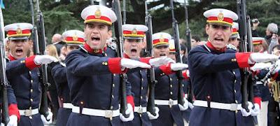 UNIFORME DE LOS CADETES DEL COLEGIO MILITAR DE LA REPÚBLICA ARGENTINA d1a535eb876