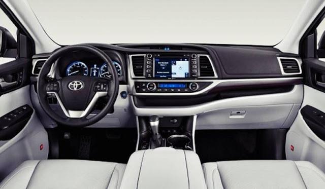 2017  interior Toyota Camry