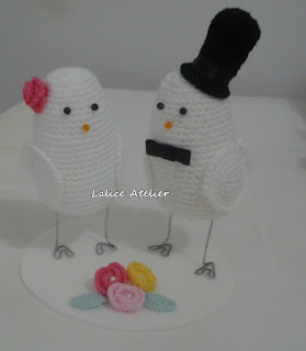 topo bolo pombinhos,topo bolo amigurumi,topo bolo casal passarinhos