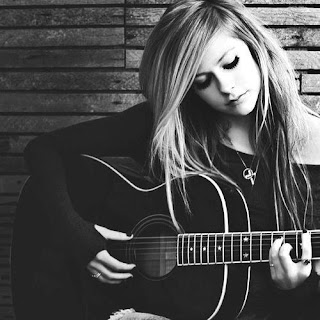 Lyric : Avril Lavigne - When You're Gone