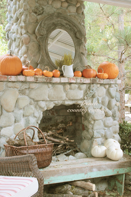 8 easy autumn decor ideas for porch patio french for French country cottage decorating ideas